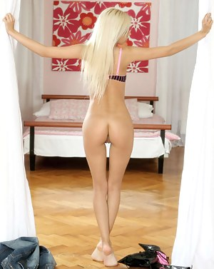 Big Ass Blonde Porn Pictures