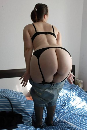 Big Ass Bedroom Porn Pictures
